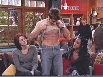 Matthew here as Jack in 宝马 展示 his abs to the girls. YUM!!!