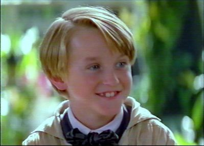 My kegemaran character is Draco Malfoy saat one is Harry third one Harmione fourth one Ron Weasley and the least one is Hagrid .