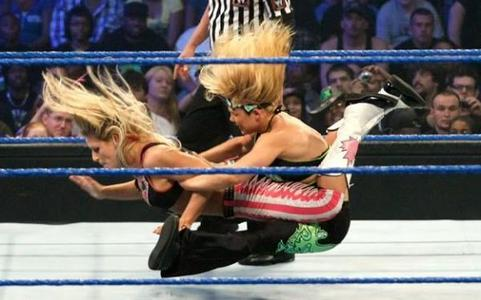 Beth Phoenix is much thêm stronger than Natalya.... Phoenix applied Glam Slam on Natalya....... Natalya applied bearhug on Alicia cáo, fox & Kelly Kelly..... Beth applied Bearhug on Maria, Kelly Kelly, Melina, Candice Michelle & Victoria...... &*= Beth also performed a lot of Power Moves like Millitary Press , Backbreaker....... so Natalya is a baby in front of Beth phoenix..........