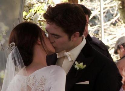 Twilight Images Bella And Edward Kissing Edward And Bella Kisses