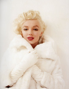 I want to see Marilyn in black!