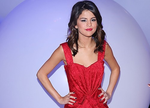 here&#39;s mine Sel with red dress..^^