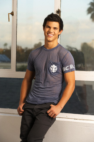 I don't know, are u cool? Well i'll add Ты for now since Ты like Katniss and Taylor Lautner.