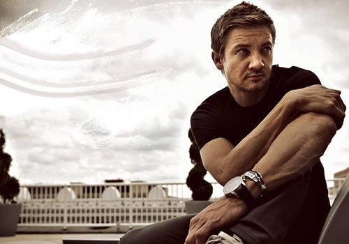 I feel like posting Jeremy Renner :D