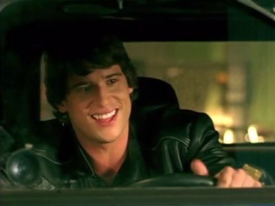Daniel Ewing as reuben, reubeni looking out a car window in Power Rangers .