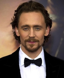 Hiddles cheeks are awesome!! *-*