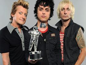 yup! and GREEN DAY!!!!!!!!!!!!!! <3 <3 <3
