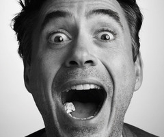 Rob what are you doing? Now everyone can see your chewing gum - addiction!! XD haha that pic is killling me!! LOL