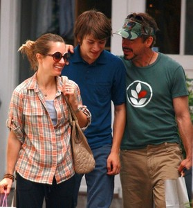 Rob with his wife Susan Downey and his son Indio