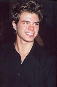 Matt's fluffy hair!! <33