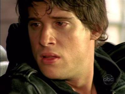 Daniel Ewing as Dillon having a red faceish...
