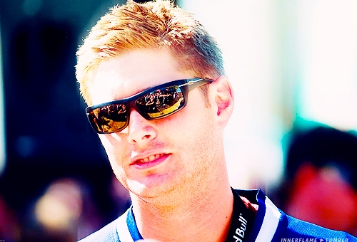 Jensen Ackles wearing sexy sunglasses. Daniel Ewing doesnt were glasses یا sunglasses so i couldnt put him...