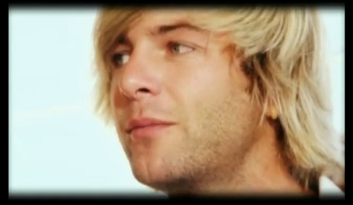 KEITH HARKIN, OMG OMG OMG I'M LISTENING TO HIS SOLO ALBUM HOLY CRAP, I'M SO HAPPY.