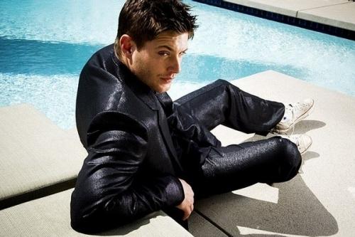 Couldnt get Dan Ewing so here is Jensen Ackles beside a pool :)