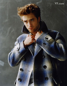 here u go.i also 投稿されました a link of another pic of Rob in a heavy coat:http://media.photobucket.com/image/recent/RobsessedBLOG/Vanity%2520Fair/pattinson-D-0912-16.jpg