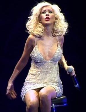 THE VOICE <3. I loveeeee singing and I loveeee Christina Aguilera!!! TEAMXTINA!