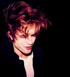I can't understand why people like Rob's hair when they are like this....