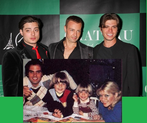 Matthew with his brothers (Above) and He and his parents with his older brother, Joey (Bottom). During that time, Andy wasn't born yet.