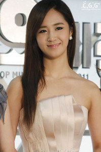 long straight hair, beautiful yul<3333333333333