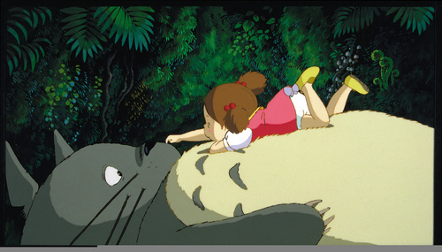 Totoro-san!!! <3 I amor that movie so much, it's my chrome theme, and I have a totoro plushy~ ^-^