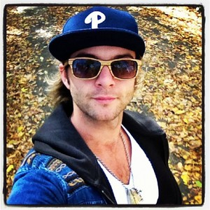 Keith Harkin. Why? because he followed his dream and didn't give up, he worked his asno off to get where he is now. He is so talented at pag-awit and songwriting. He is my inspiration. He is living proof that dreams do come true, and that hard work pays off in the end. Also, despite his success, he is still the same old, down to earth fun loving guy he was 6,7,8 years ago. I don't pag-ibig Keith because he's hot, I pag-ibig him because of what he has done, and who he is, his looks are just a bonus reallly.