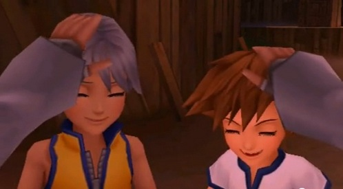 Young Riku and Sora! What could be cuter?