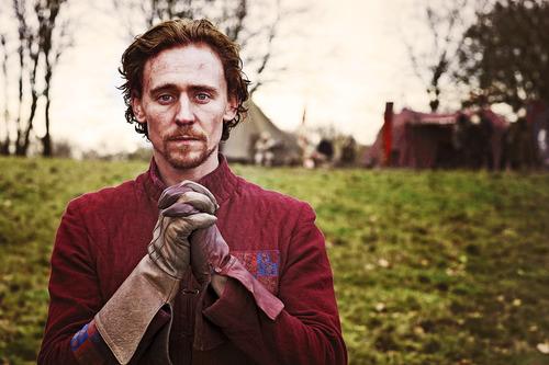Tom :D