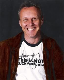 Anthony Head has the most stylo sig I know