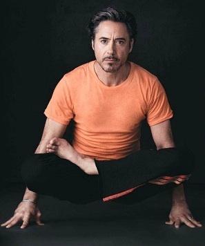 haha Bobby doing yoga for a magazine!^^