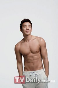 Bi Rain :) It was hard for me to choose because Rain's done so many modelling jobs and he's so good at it. But in this photo, Ты can see all of his beautiful muscles.