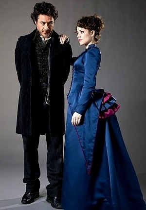 RACHEL MCADAMS with Robert Downey jr in Sherlock Holmes as Irene Adler - she is my most fav actress!!! soooo happy they did a film together!! :DDD