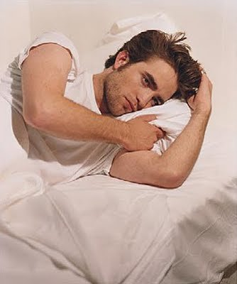 My gorgeous,sexy Robert Pattinson lying peacefully in bed.How I would pag-ibig to be in that kama with him.