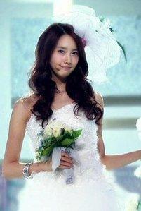 i hope her boyfriend is JANG GEUN SUK <3