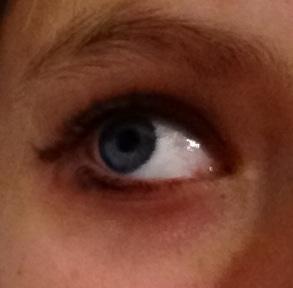 Blue! I 爱情 my eye color!