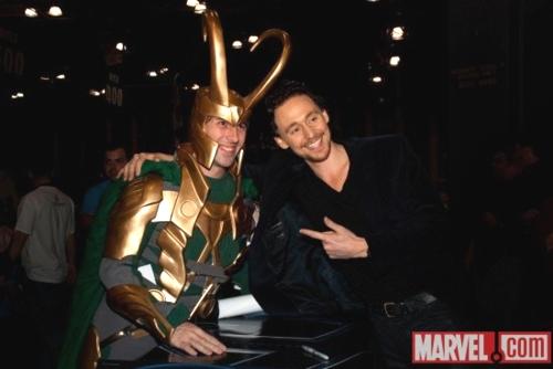 "ehehehe! Tom with ""Loki"" 팬 :)"