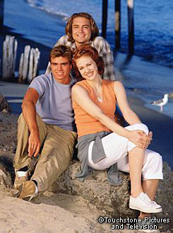 Matthew with his Boy Meets World co-stars on a beach. :)