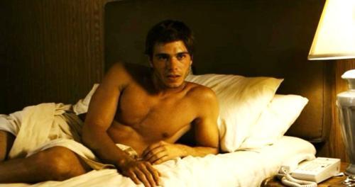Matthew seductive looks. :P