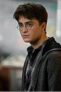 Harry Potter is so much better looking. But then again, Harry and Edward are both fictional characters from books. So, I'm going with Daniel Radcliffe who portrays the role of Harry and, well, Daniel is to die for. He is so freakin' hot and gorgeous. I could go on. Robert Pattinson, is just, eh. I don't find anything appealing about him at all. I used to when Twilight first came out but I don't anymore.
