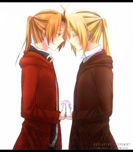 My 가장 좋아하는 brothers in the world, Edward and Alphonse Elric. Which picture? <Has literally dozens>...