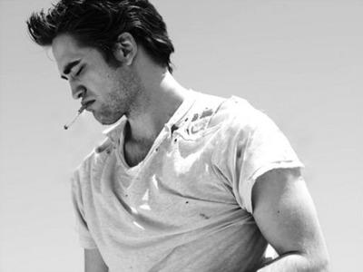 Robert Pattinson really hot!!