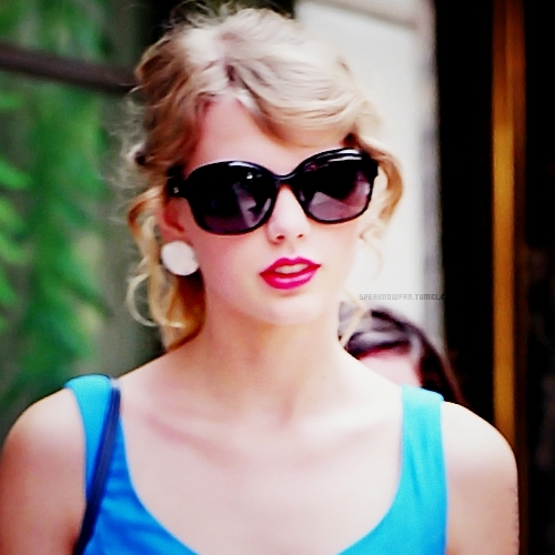 Here is mine of Taylor wearing sunglasses.I am posting 1 link of her wearing eyeglasses.