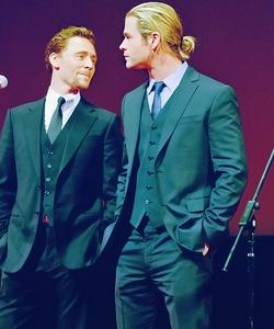 Tom ad Chris