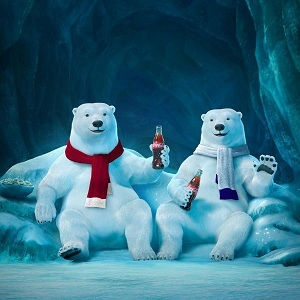 yes i amor coca cola i'm friends with the polar bears they know me ^^