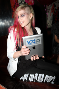 this,will i like it :) ,idk everything in avril is cool and nice