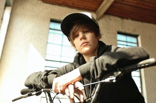 Justin &#34;Drew&#34; Bieber&#39;s middle name is.....DREW! haha