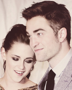 here is my pic-Robert Pattinson with his Twilight leading lady(on and off screen),Kristen Stewart