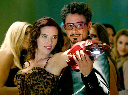Tony Stark with Scarlett Johansson ... atau Robert Downey Jr with Black Widow ...?