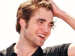 here is my pic of Robert Pattinson looking cute(and sexy and gorgeous...there are so many words I could use to describe Rob)