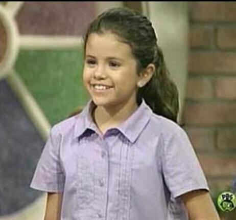 آپ didn't say what age (she on Barney)