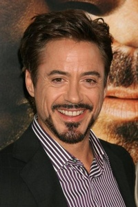 Robert Downey Jr Just because he is amazing He can sing, dance, act, play the piano, etc plus his personality is just really unique and i 愛 his humor